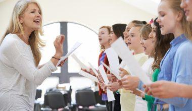Bambini a lezione di musica