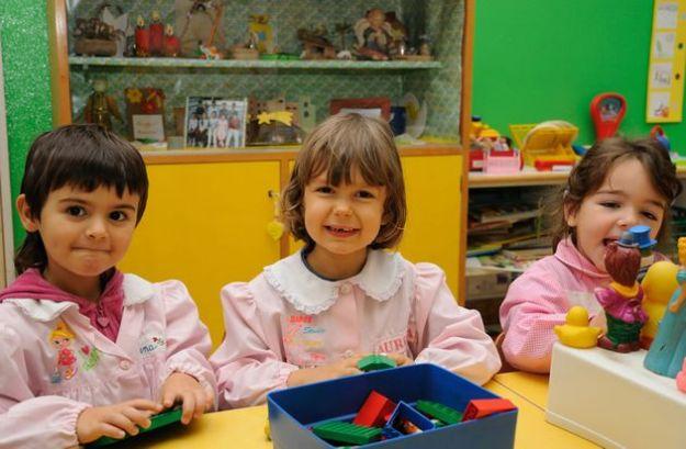 mal di schiena bambini corretta postura scuola
