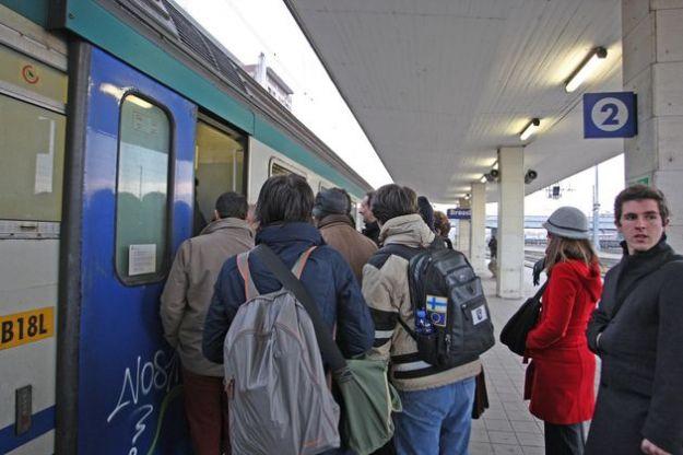 Pendolari Brescia Milano Trenitalia Ferrovie dello Stato Stazione FS di Brescia