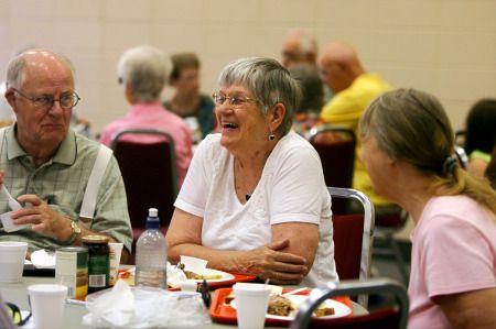 anziani crisi economica nutrizione