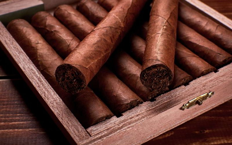 scatola di legno di sigari