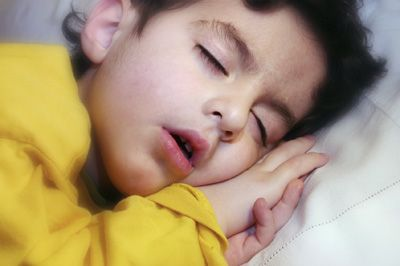 bambini apnea ostruttiva notturna