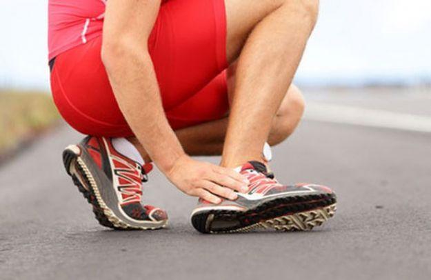 dolore alla caviglia cause rimedi