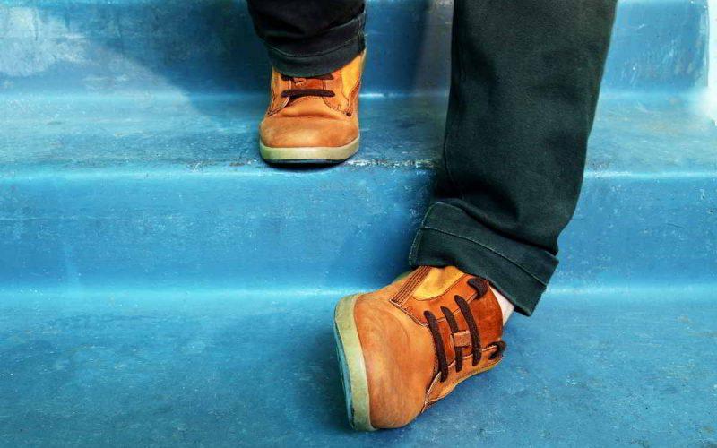 slogatura caviglia