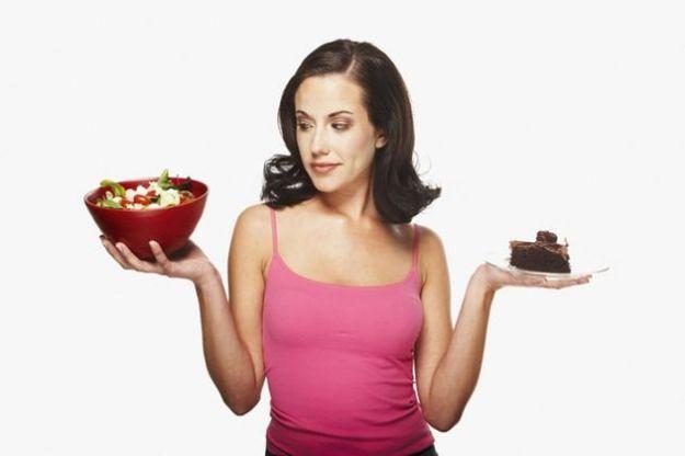 fabbisogno calorico medio giornaliero calcolo