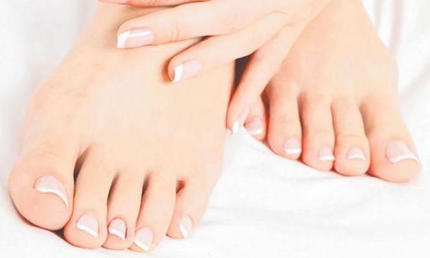 il perche dei piedi gonfi cause rimedi