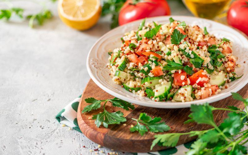 Tabbulè di verdure con quinoa
