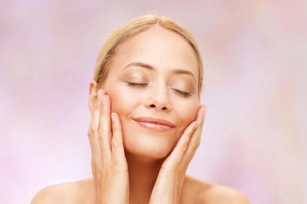 pelle grassa del viso rimedi naturali