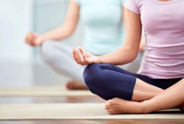posizioni yoga semplici