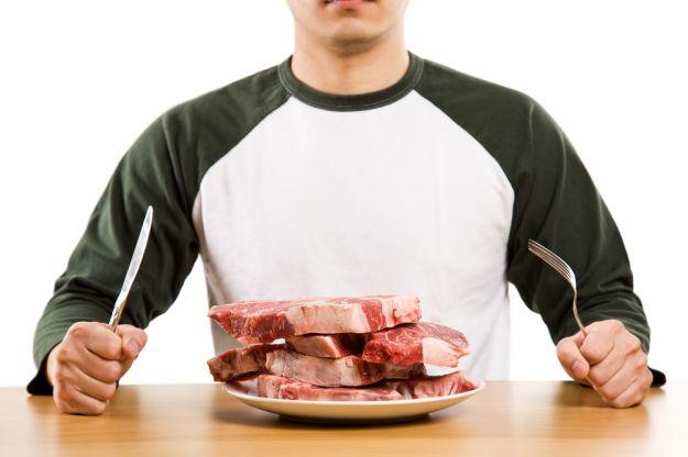 Mangiare troppa carne fa male