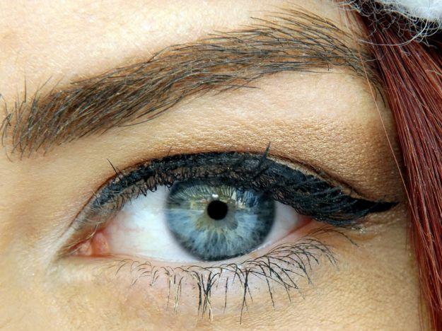 Occhi astigmatismo