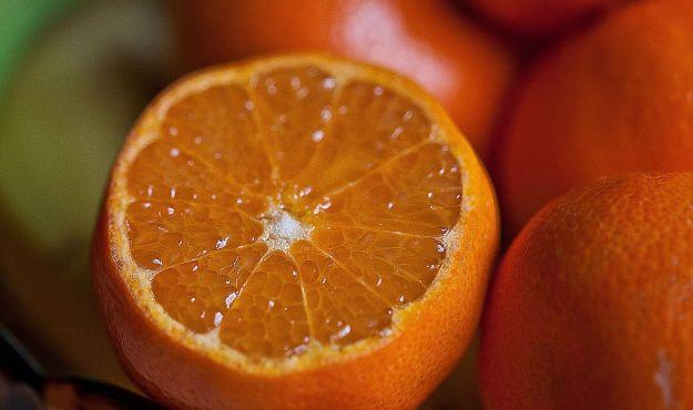 frutta e verdura arancione perche fanno bene proprieta benefici