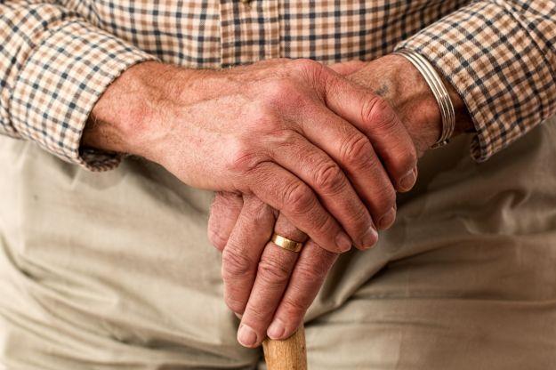 incontinenza urinaria anziano prevenzione rimedi cure