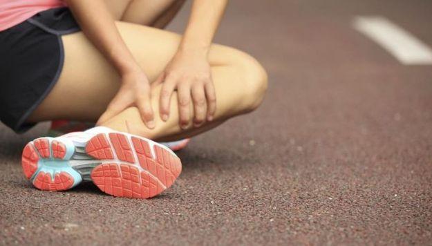 strappo muscolare al polpaccio tempi di recupero sintomi rimedi