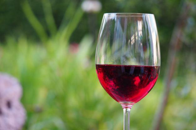 vino rosso proprieta benefici controindicazioni