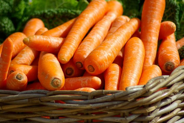 alimenti melanina abbronzatura carote