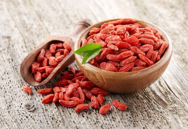 bacche di goji proprietà benefici valori nutrizionali