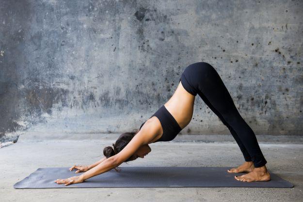 yoga mal di testa posizione cane