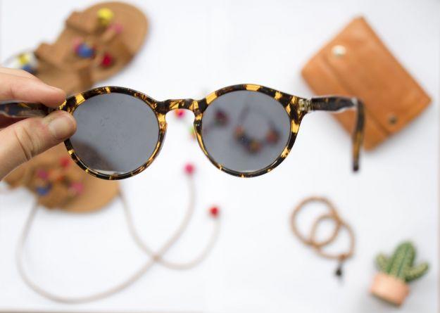 occhiali sole bancarelle
