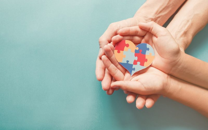 puzzle e mani
