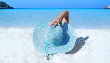 sole ragazza spiaggia
