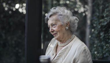 donna anziana
